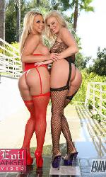 2 blondes aux culs parfaits: Brianna Beach